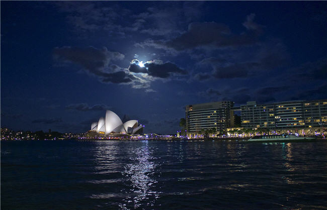 Great views on our Sydney AHrbour Comedy Cruises!
